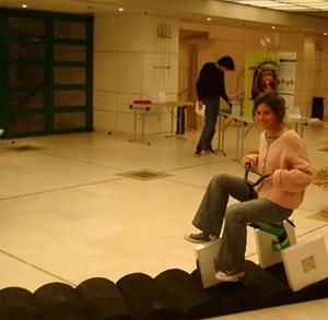 Triciclo de ruedas cuadradas (exposición ICM2006)