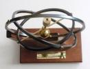 Estatuilla conmemorativa del Premio Cosce a la Difusión de la Ciencia